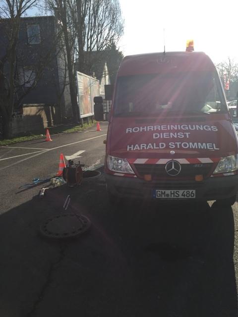 Kanalinspektion_mit_Kamerawagen_Gewerblicher_Abwasserleitungen_mit_Dokumentation_des_Leitungszustandes_in_Koeln